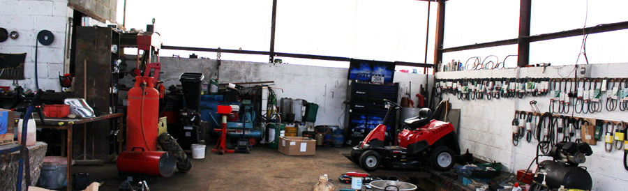 Garden machinery workshop